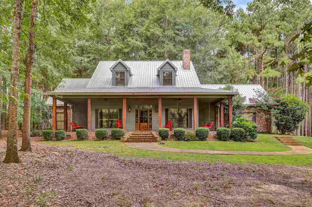 Farmhouse, Residential w/Acreage - Madison, MS