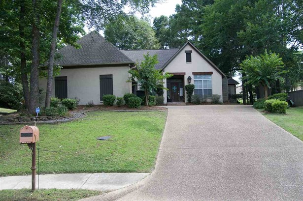 Traditional, Detached - Canton, MS