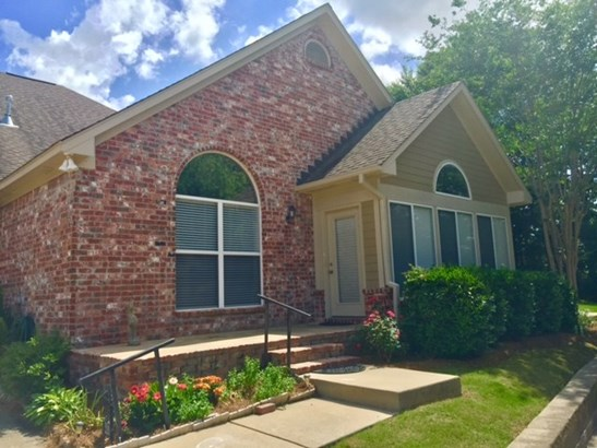 Condo, Traditional - Flowood, MS (photo 2)