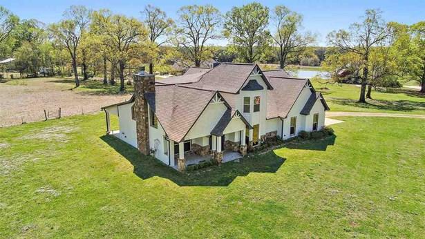Farmhouse, Residential w/Acreage - Brandon, MS