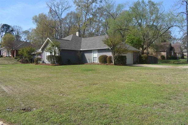 Traditional, Detached - Clinton, MS (photo 2)