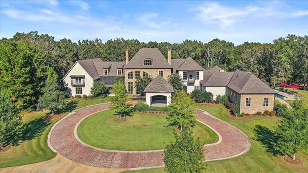 Residential w/Acreage, Traditional - Madison, MS