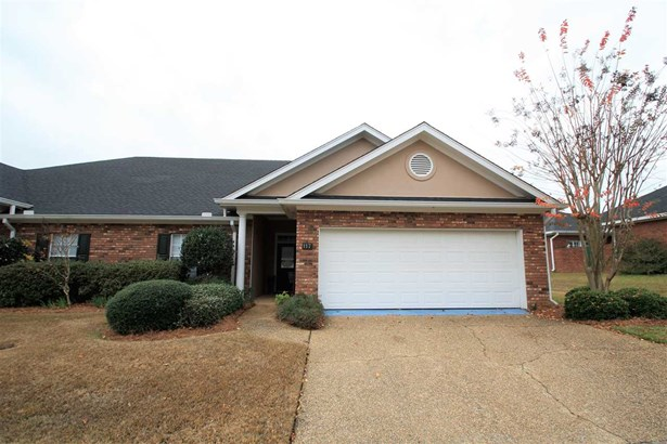 Townhome, Traditional - Brandon, MS (photo 1)
