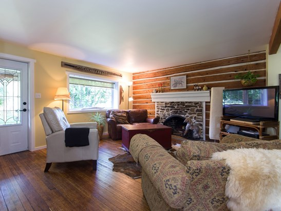 1759 Highway 99, Whistler, BC - CAN (photo 2)