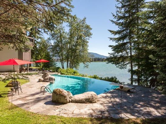 8997 Trudy's Landing, Whistler, BC - CAN (photo 2)