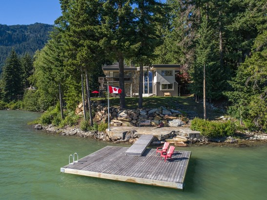 8997 Trudy's Landing, Whistler, BC - CAN (photo 3)