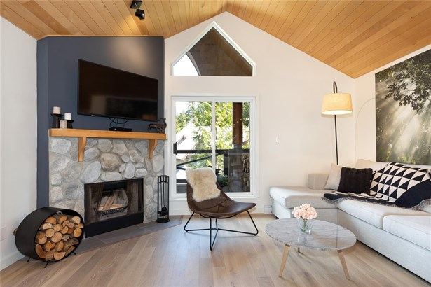 #207-2222 Castle Drive 207, Whistler, BC - CAN (photo 1)