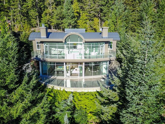 3358 Peak Drive, Whistler, BC - CAN (photo 2)