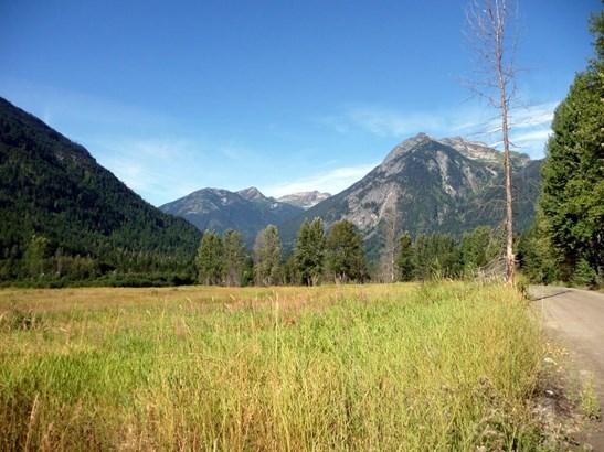 2672 Blackwater Road, Whistler, BC - CAN (photo 1)