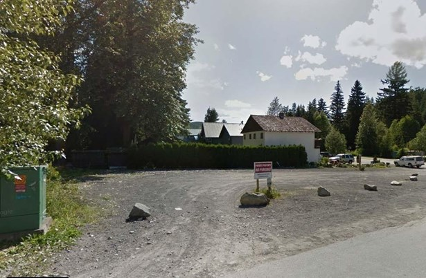 #2124-2126 Lake Placid Road 2124, Whistler, BC - CAN (photo 1)