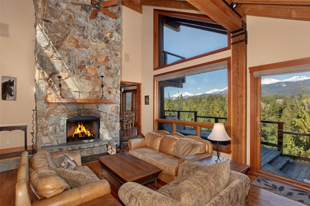 3367 Osprey Place, Whistler, BC - CAN (photo 2)