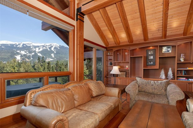 3367 Osprey Place, Whistler, BC - CAN (photo 3)