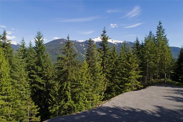 5472 Stonebridge Place, Whistler, BC - CAN (photo 3)