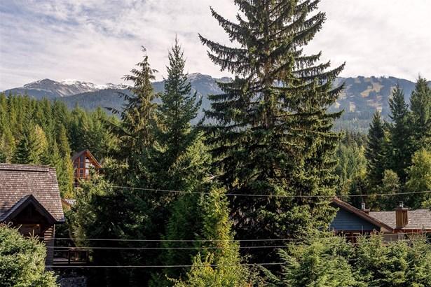 7325 Toni Sailer Lane, Whistler, BC - CAN (photo 4)