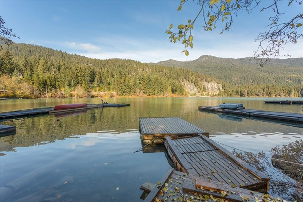 9289 Lakeshore Drive, Whistler, BC - CAN (photo 4)