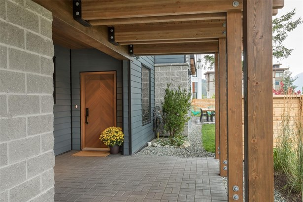 1205 Mt. Fee Road, Whistler, BC - CAN (photo 1)
