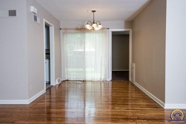 Single House - Topeka, KS (photo 5)