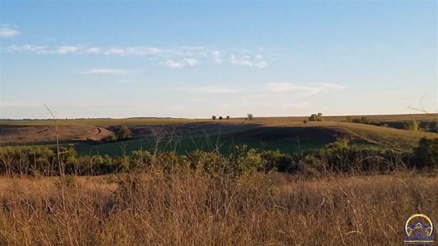 Acreage,  3-10 Acres - Topeka, KS