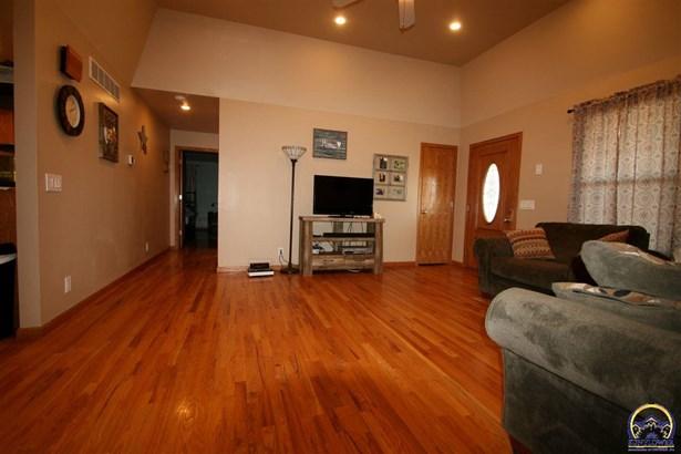 Single House - Meriden, KS (photo 3)