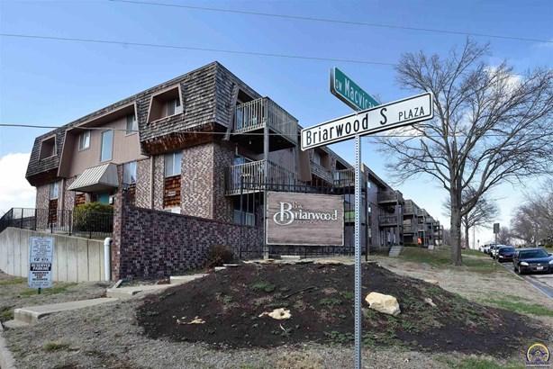 Condo/Townhouse - Topeka, KS