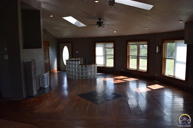 Single House - Berryton, KS (photo 2)