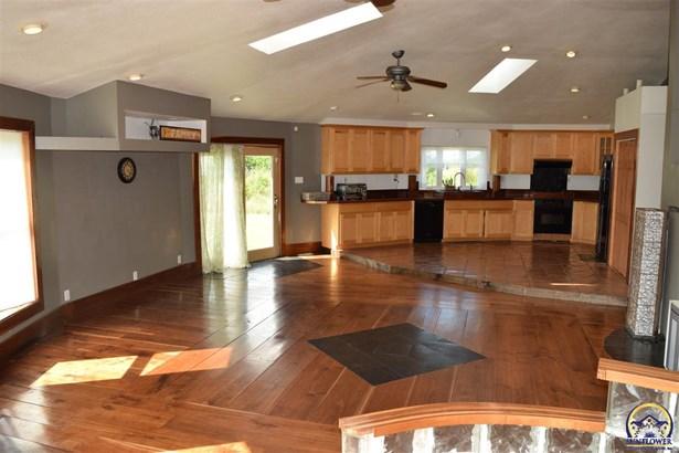 Single House - Berryton, KS (photo 3)