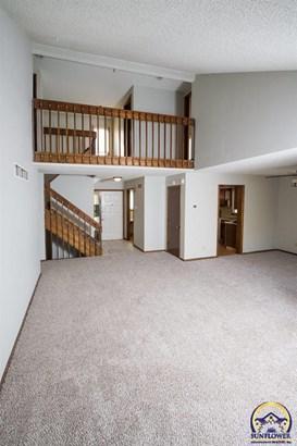 Single House - Topeka, KS (photo 3)