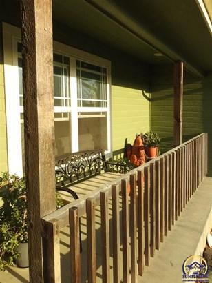 Single House - Meriden, KS (photo 2)