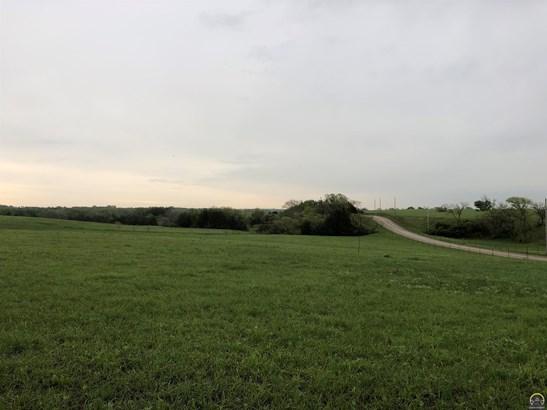 Acreage,  3-10 Acres - Berryton, KS