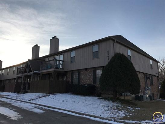 Condo/Townhouse - Topeka, KS (photo 2)