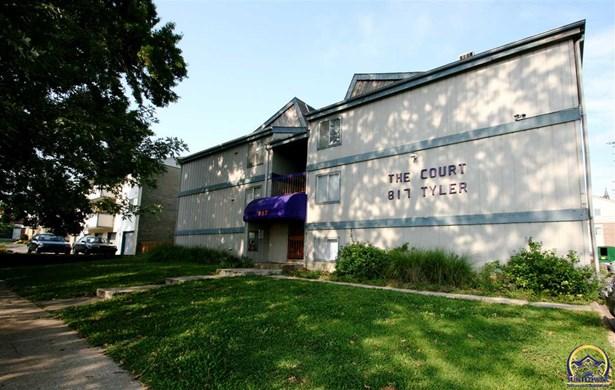 Apartment Building - Topeka, KS (photo 1)