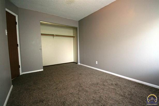 Apartment Building - Topeka, KS (photo 5)