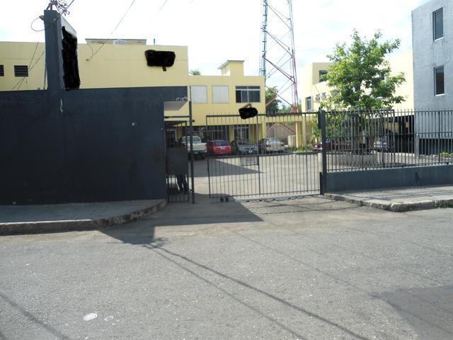 Courtney Walsh Drive, Kingston - JAM (photo 2)
