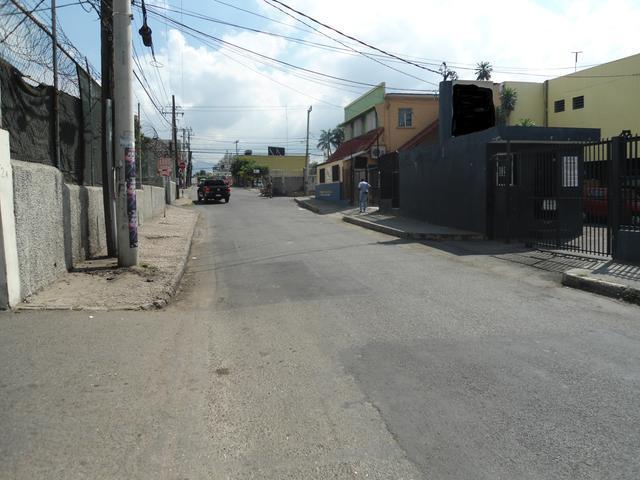 Courtney Walsh Drive, Kingston - JAM (photo 3)