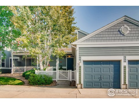 2 Story, Attached Dwelling - Longmont, CO