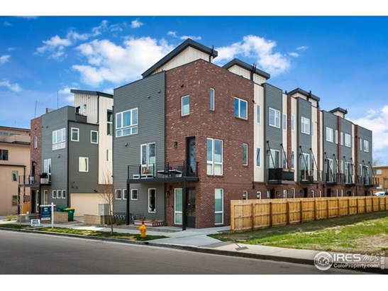 3 Story, Attached Dwelling - Lakewood, CO