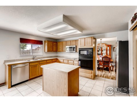 Residential-Detached, Four-Level - Longmont, CO (photo 5)