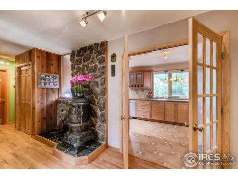 Tri-Level, Residential-Detached - Boulder, CO (photo 4)