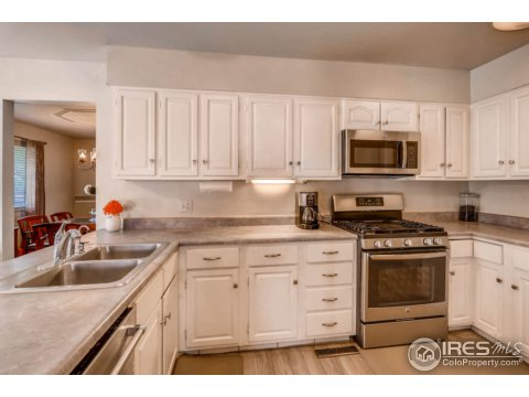 Residential-Detached, Four-Level - Broomfield, CO (photo 3)