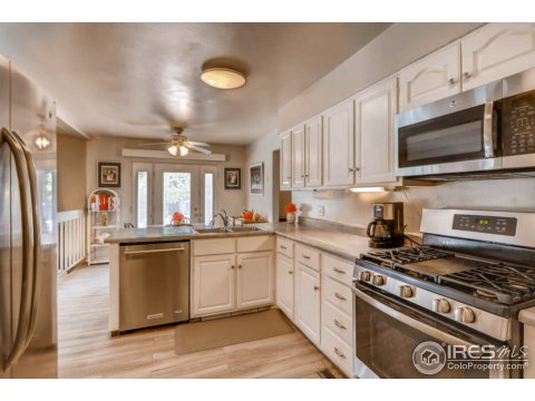 Residential-Detached, Four-Level - Broomfield, CO (photo 4)