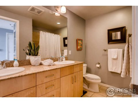 1 Story/Ranch, Attached Dwelling - Boulder, CO (photo 5)
