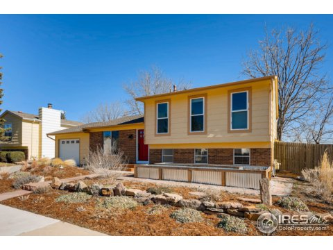 Tri-Level, Residential-Detached - Lafayette, CO (photo 2)