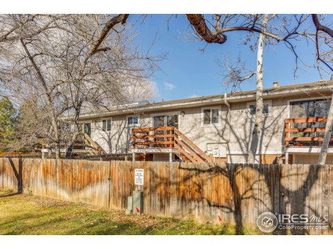 Bi-Level, Attached Dwelling - Boulder, CO (photo 3)