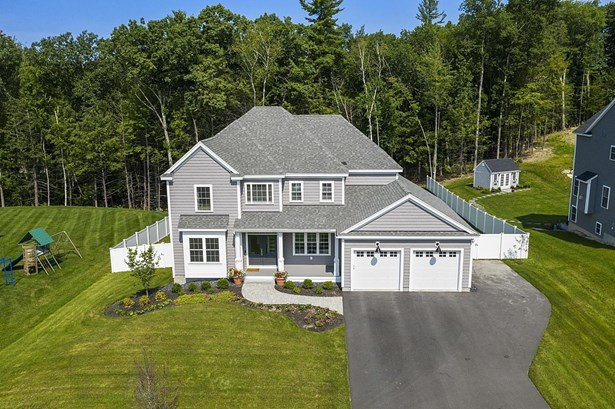 Colonial, Single Family - Windham, NH