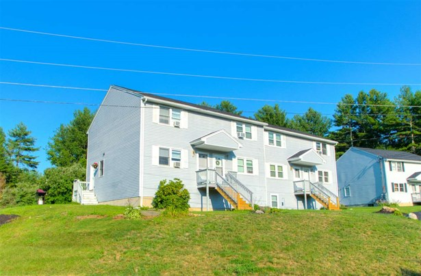 Townhouse, Condo - Sandown, NH (photo 1)