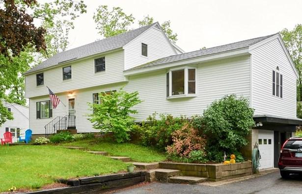 Colonial, Single Family - Plaistow, NH (photo 1)