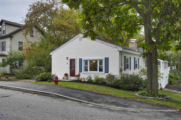 Ranch, Single Family - Derry, NH