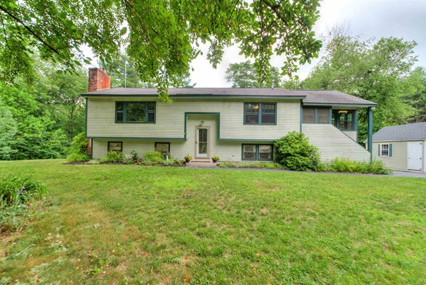 Split Level, Single Family - Londonderry, NH