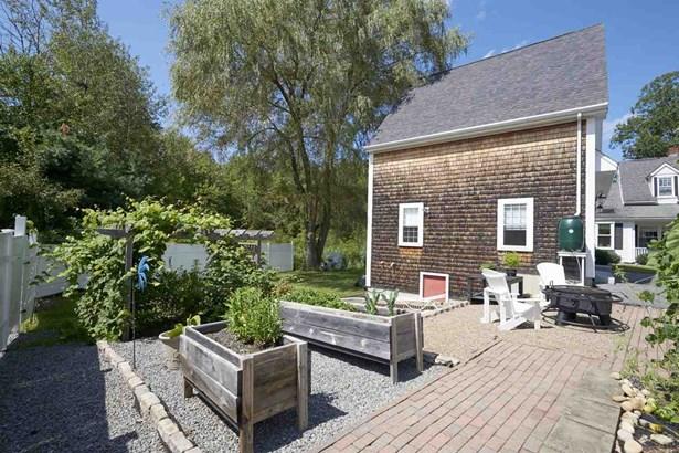 Cape,Farmhouse, Single Family - Kingston, NH (photo 2)