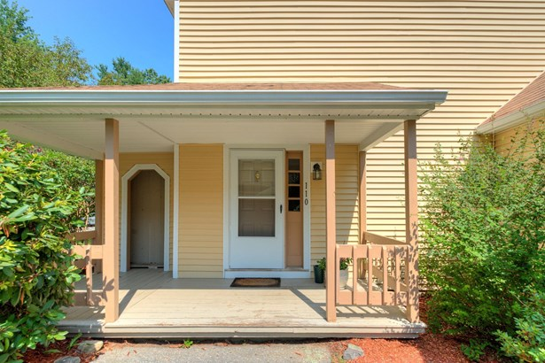 Townhouse, Condo - Londonderry, NH